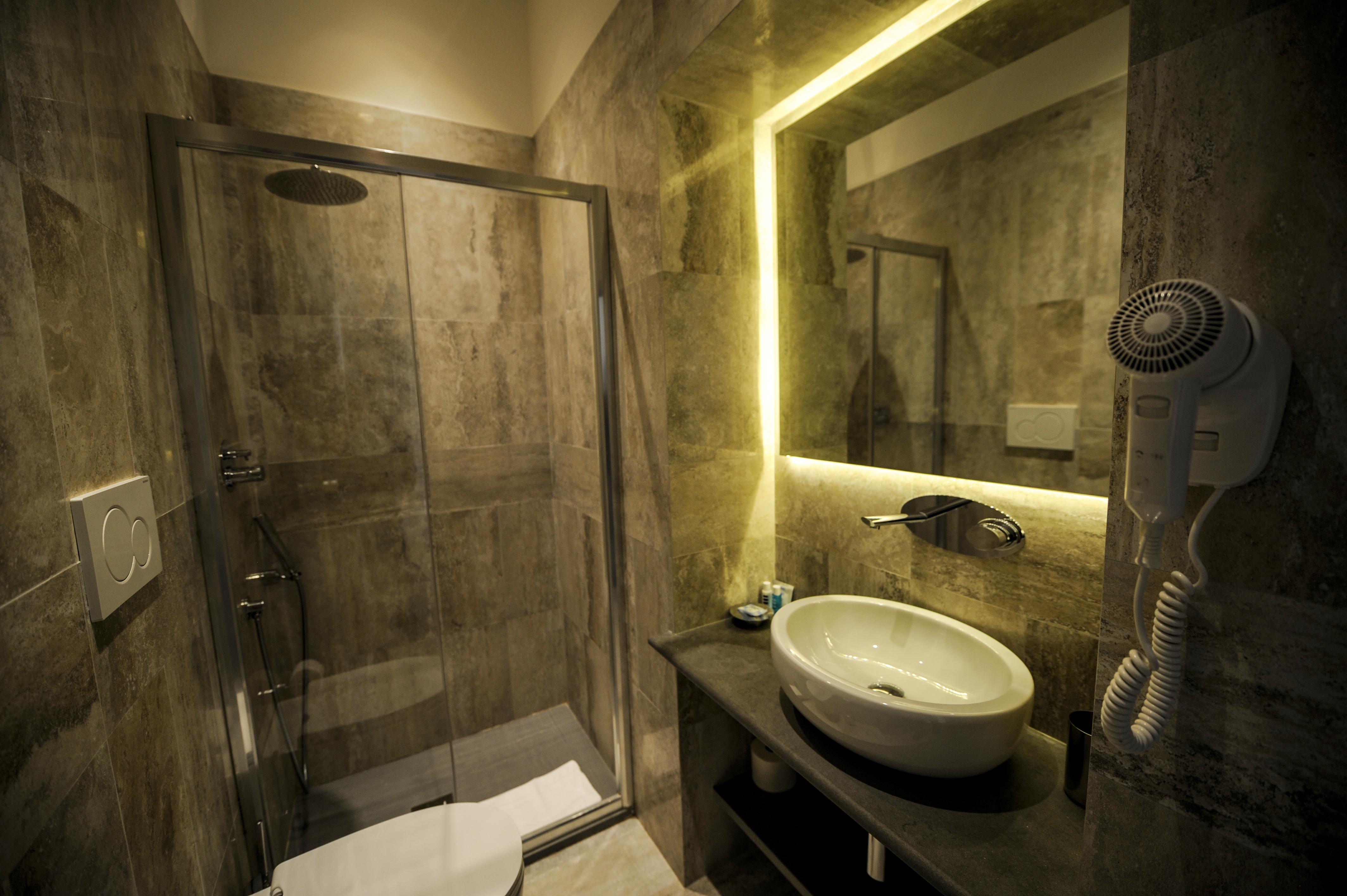 bathroom rea silvia